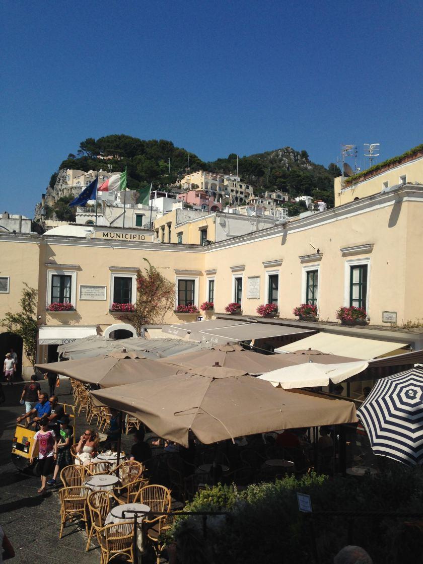 La Piazzetta - Nightlife's meeting point